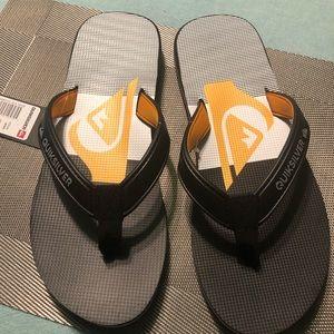 Men's Quiksilver Flip Flops size 11